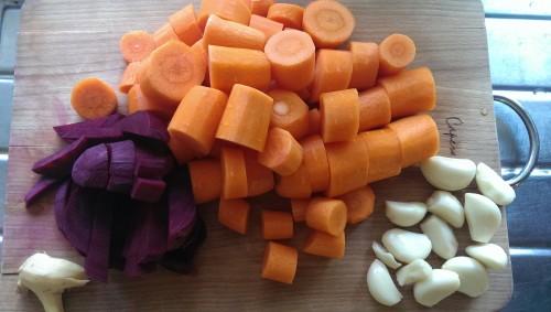 Råvarer til gulerot suppe